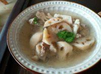 家常菜莲藕排骨汤