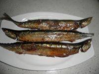 简单美味的烤秋刀鱼