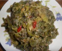 简单美味的蒸芹菜叶