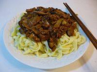 自制蘑菇肉酱面