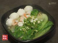 自己做的海鲜汤面