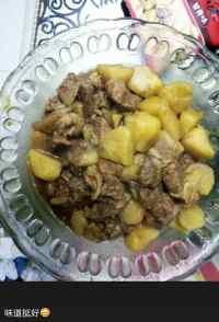 玉盘珍馐的牛肉炖土豆