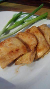 美味的煎鸡胸肉
