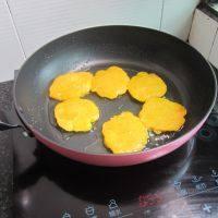 茼蒿油豆腐龙骨汤