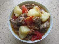 家常菜西红柿土豆炖牛肉