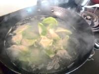 喷香的翡翠白菜饺