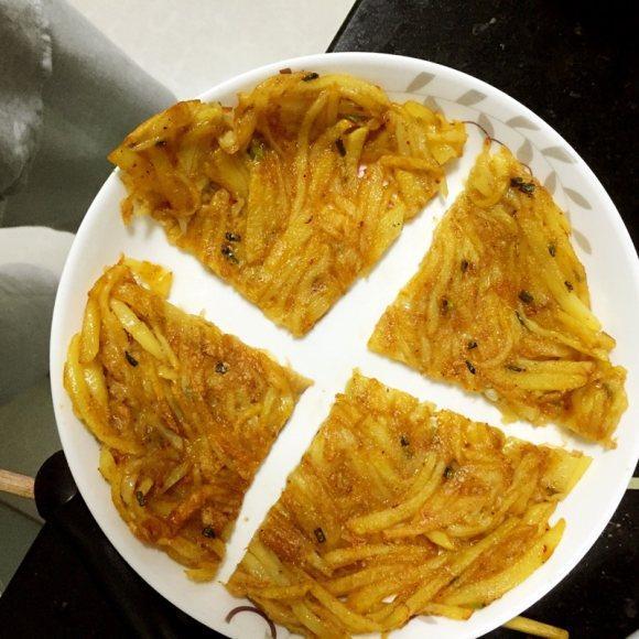 芳香四溢的土豆饼