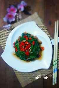 咸甜适中的凉拌菠菜