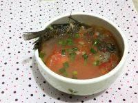 美味的番茄鲫鱼汤