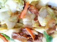 家常菜五花肉炒包菜