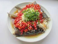 家常菜剁椒蒸鱼头