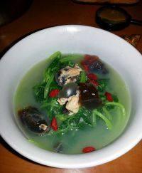 美味的苋菜皮蛋汤