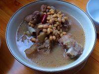 自制黄豆猪蹄汤