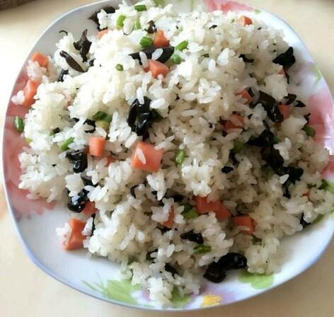 妈妈做的炒米饭