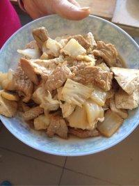 家常菜白菜豆腐炒肉
