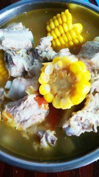 诱人的玉米炖排骨