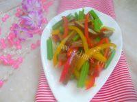 清爽的芹菜炒豆干