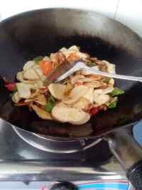 家常菜杏鲍菇炒肉片