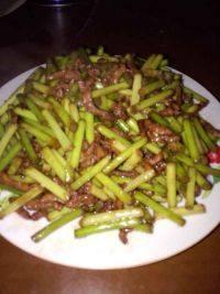 开胃的蒜苔炒肉丝
