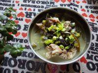 滋补的排骨海带汤
