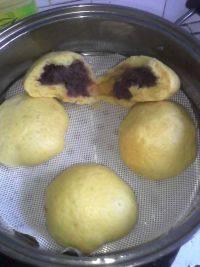 自己做的南瓜紫薯包