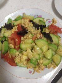 家常菜西葫芦炒鸡蛋