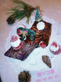 美味的圣诞树桩蛋糕