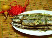 家常菜香煎秋刀鱼