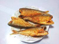 美味的香炸小鱼
