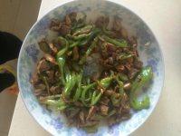 美味营养的青椒炒鸡胗