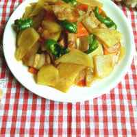 家常菜土豆片炒肉