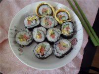 自己做的紫菜寿司卷