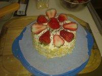 诱人的草莓奶油蛋糕