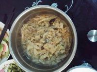 家常的酸菜炖粉条