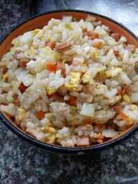 美味的杂蔬炒饭