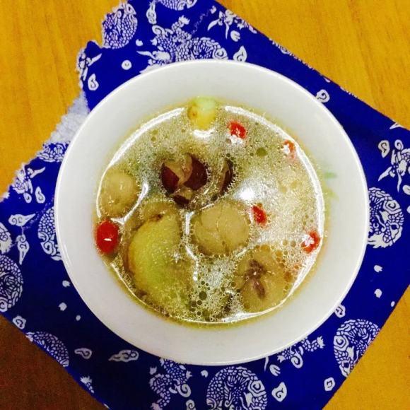 鲜美可口的鱼头汤