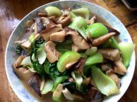 诱人的香菇炒油菜