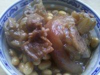 美味的黄豆焖猪脚