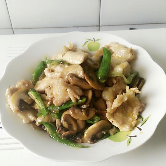 家常蘑菇炒肉