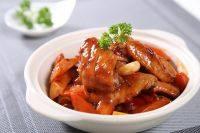 自制三汁鸡翅焖锅