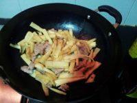 甘脆的茭白炒肉片