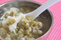 美味的银耳绿豆汤
