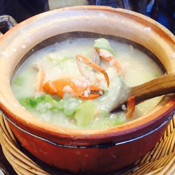生菜窝蛋砂锅粥