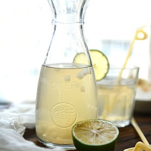 柠檬芹菜梨汁