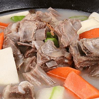 砂锅羊排汤