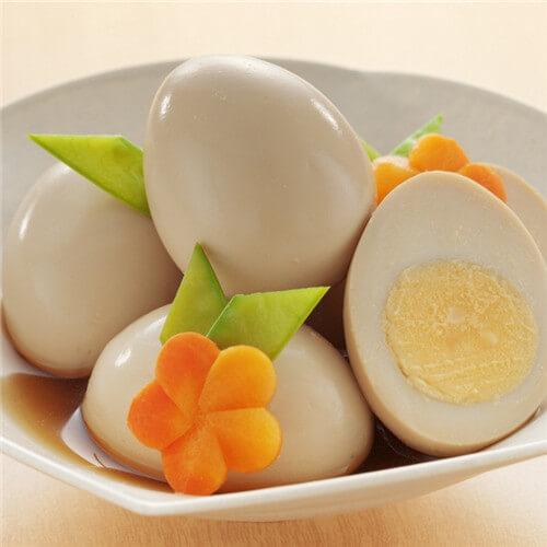 诱人的煮鸡蛋