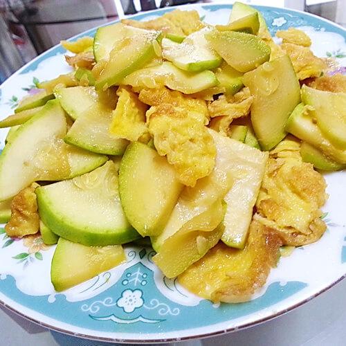 西葫芦炒鸡蛋(家庭版)