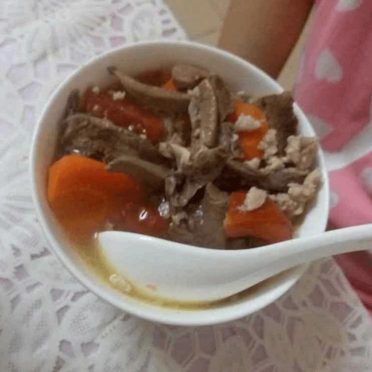 肝脏胡萝卜肉沫番茄汤