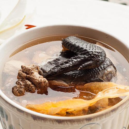 干贝竹荪鱼骨海珍汤