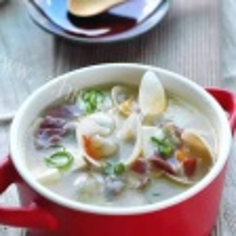 蛤蜊玉米鸡汤